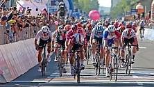 La tappa del Giro a Novi Ligure, campioni, sole e sorrisi  Foto