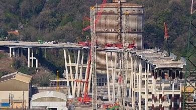 Ponte Morandi, demolizione con esplosivo  a San Giovanni Battista