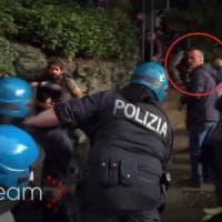 Pestaggio del giornalista di Repubblica: il cerchio ristretto a sette agenti