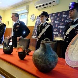 Manoscritti in Belgio, anfore nello spezzino, i carabinieri a caccia di tesori d'arte rubati