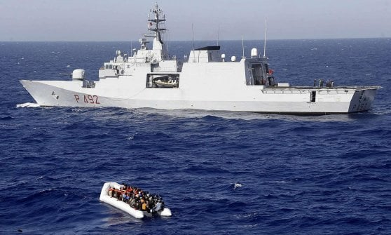 Migranti: La Nave Della Marina Arriva Domenica O Lunedì A