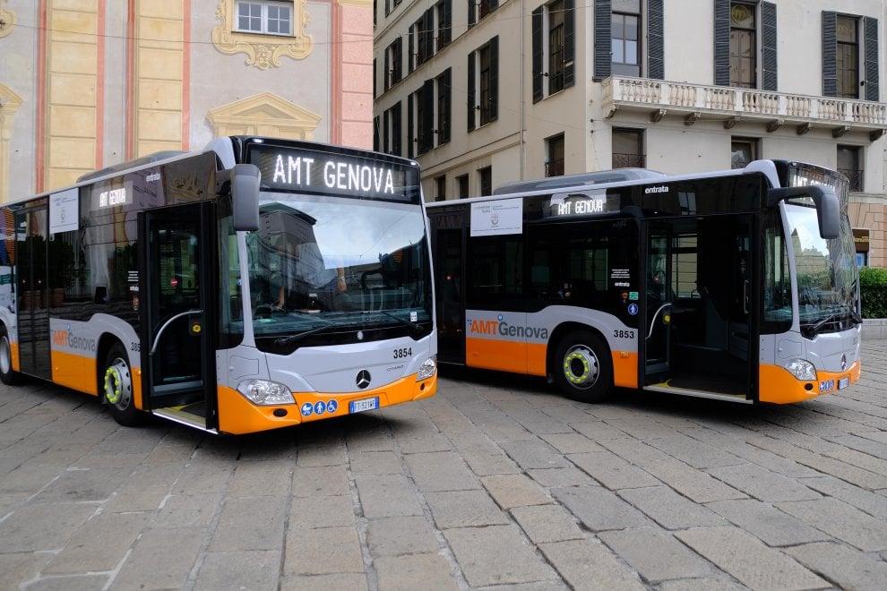 Amt, arrivati a Genova venti nuovi bus Mercedes