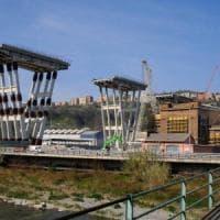Il nuovo ponte arriva dal mare, ma slitta la demolizione