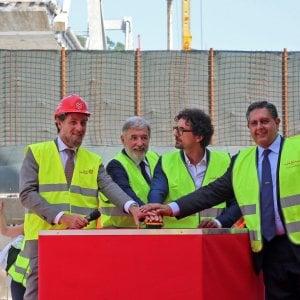 """Ponte, la promessa del ministro Toninelli: """"Le auto sul nuovo ponte ad aprile 2020"""""""