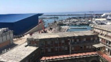 """Genova. """"Fronte a mare"""", completato l'abbattimento del palazzo ex Nira"""