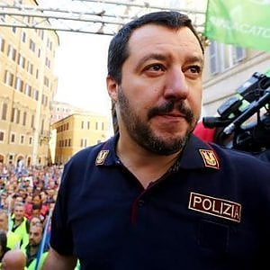 """Il sindacato di polizia: """"Il decreto Salvini è propaganda che criminalizza il dissenso e l'immigrazione"""""""