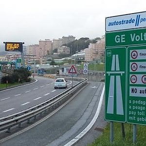 Autostrade, Genova off limits per i carichi eccezionali