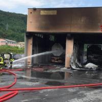 Cisterna autolavaggio a fuoco, riaperto tratto A7