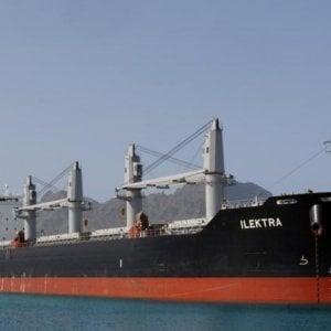 Tragedia a Savona, operaio precipita dal ponte di una nave e muore. Sciopero di 24 ore in porto