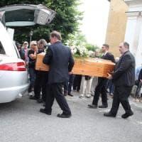 """I funerali di Deborah Ballesio, il critico Raspelli: """"E' un femminicidio"""