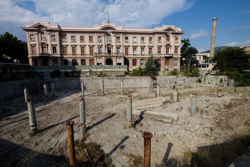 La ruspa per far ripartire i lavori del park di San Martino