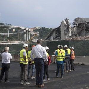 Addio al Morandi, il nuovo ponte fra nove mesi