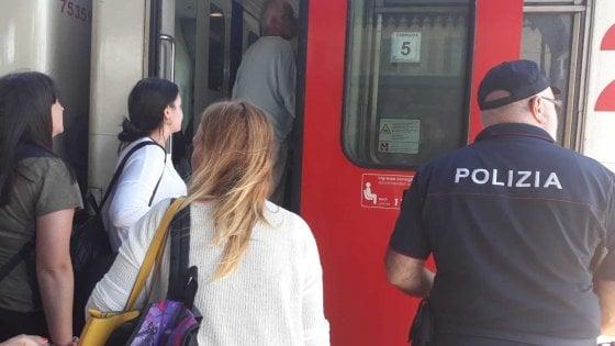 """Ferrovie, ancora caos: Intercity rotto due volte, aggredito capotreno. I sindacati: """"Disastro annunciato"""""""