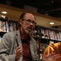 Lo scrittore Jeffery Deaver alla Feltrinelli