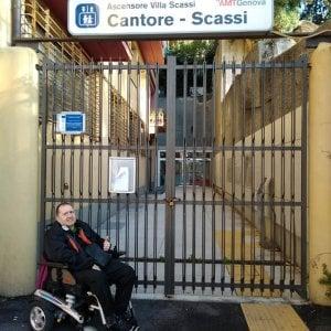 L'odissea in carrozzina di Marco per raggiungere l'ospedale Villa Scassi