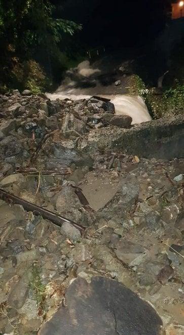 Valle Stura in ginocchio, Campo Ligure isolata, sfollati a Rossiglione