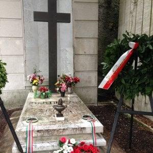 Fiori per i caduti di Salò, i complimenti dei neofascisti ai sindaci di Genova e Rapallo