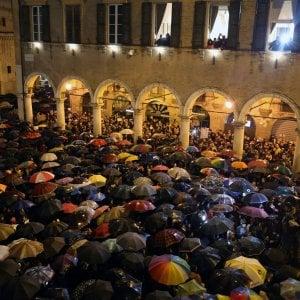 Sardine in piazza a Genova, cresce la mobilitazione