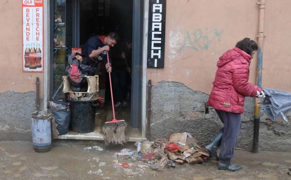 Genova, allagamenti e frane in Valpolcevera
