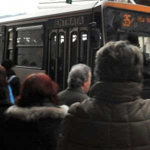 """Trasporto pubblico, il Mit contro Bucci: """"Sul tpl il progetto del Comune non aveva i requisiti minimi di fattibilità"""""""