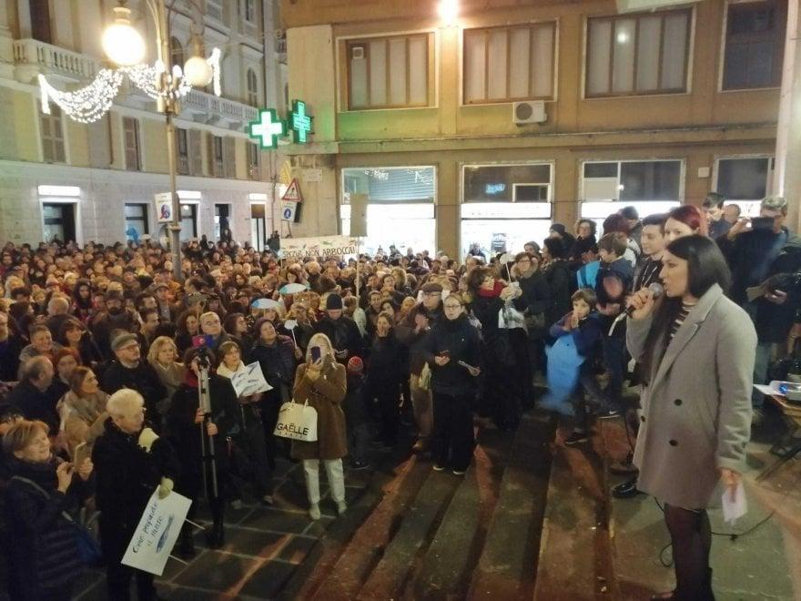 """""""Sardine"""" anti Lega in piazza anche a Spezia"""
