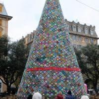 Genova, l'albero di natale all'uncinetto entra nel Guinness dei primati