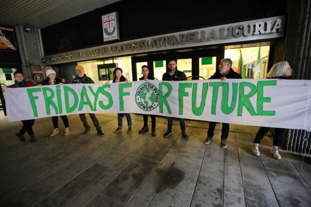 Fridays for Future in consiglio regionale per difendere il parco di Montemarcello