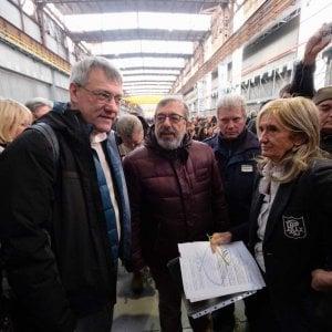 Ex Ilva, a Genova parla l'ad, gli operai la fischiano e se ne vanno