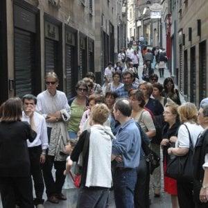 I turisti sfrattano i residenti, il record della Liguria