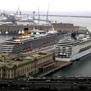 Coronavirus, in porto si misura la febbre prima dell'imbarco sulle navi da crociera