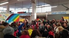 Il mercato di Certosa  si riempie di bambini  per la festa di Carnevale