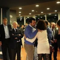 Genova, polemiche sull'ordinanza della Regione e la cena elettorale con