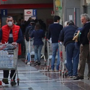 Coronavirus, domenica sciopero in Liguria dei lavoratori dei supermercati