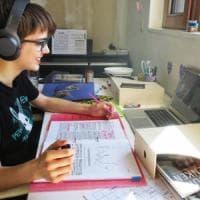 Scuola, il decalogo delle videolezioni: vietato presentarsi in pigiama