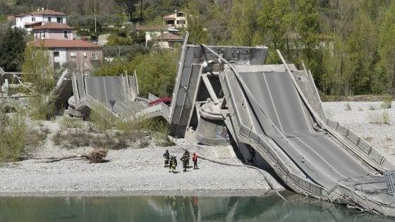 """La Liguria e i ponti che crollano: """"Un progetto per monitorarli fermo dal 2002"""""""