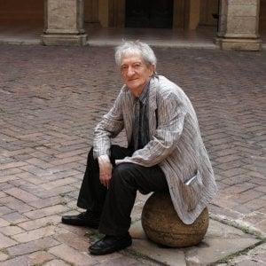 Genova, il Municipio Centro est nega l'intitolazione di un giardino al poeta Sanguineti