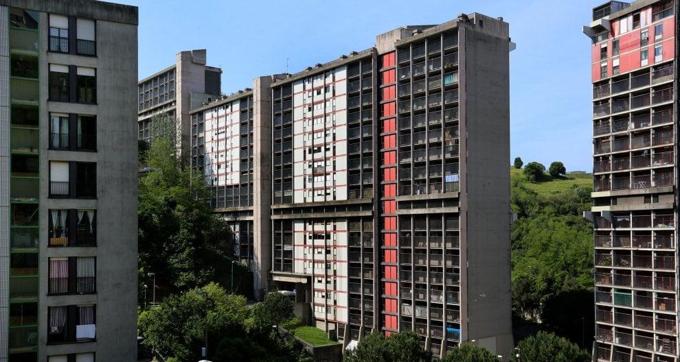 Genova, parte la demolizione della Diga di Begato