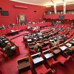 Consiglio comunale senza aria condizionata: proteste in aula