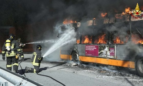 Bus in fiamme, un classico