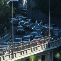 Cantieri autostrade: 10 km code in A12 e 10 km in A26