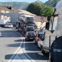 Valbisagno traffico in tilt per un semaforo al casello di Genova Est: tre ore da Sampierdarena a Staglieno