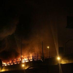 Incendio nella notte al casello di Bolzaneto
