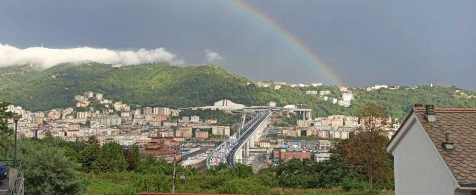 """Inaugurato il nuovo Ponte di Genova, Mattarella: """"Accertamento rigoroso delle responsabilità"""", Conte: """"È la dimostrazione che il nostro Paese sa rialzarsi"""""""
