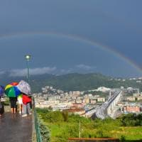 L'arcobaleno sul nuovo ponte di Genova