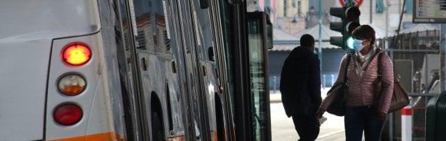 In Liguria impossibile il distanziamento  sui mezzi pubblici