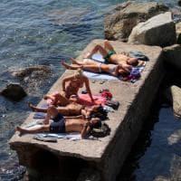 Spiagge affollate, ultimo giorno per la app