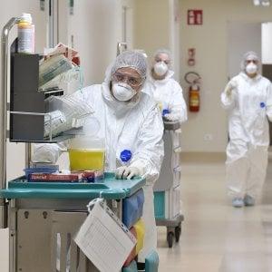 I contagi tornano a crescere, da Spezia ai vicoli di Genova 141 nuovi casi