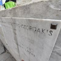 """L'appello dell'Anpi: """"Restaurate la targa di Georgakis in piazza Matteotti"""""""