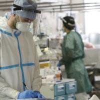 Covid, Inail: l'infortunio sul lavoro riconosciuto anche agli infermieri no vax del San...