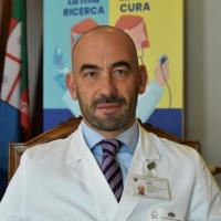 """L'infettivologo Bassetti: """"Allucinante che i cittadini vogliano scegliere il vaccino,..."""